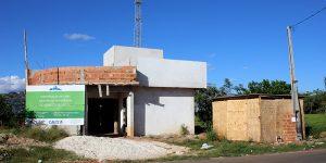 Obra abandonada do Cras vira ponto de drogas em Artur Nogueira