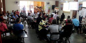 Produtores rurais participam de encontro sobre novas tecnologias em Artur Nogueira