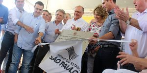 Alckmin inaugura viaduto em Artur Nogueira