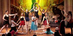 Balé do Colégio Anglo lota teatro de Artur Nogueira