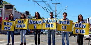 Dia Mundial da Água leva alunos de Artur Nogueira para as ruas