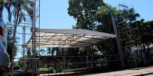 Começa a montagem da estrutura para o Carnaval de Artur Nogueira