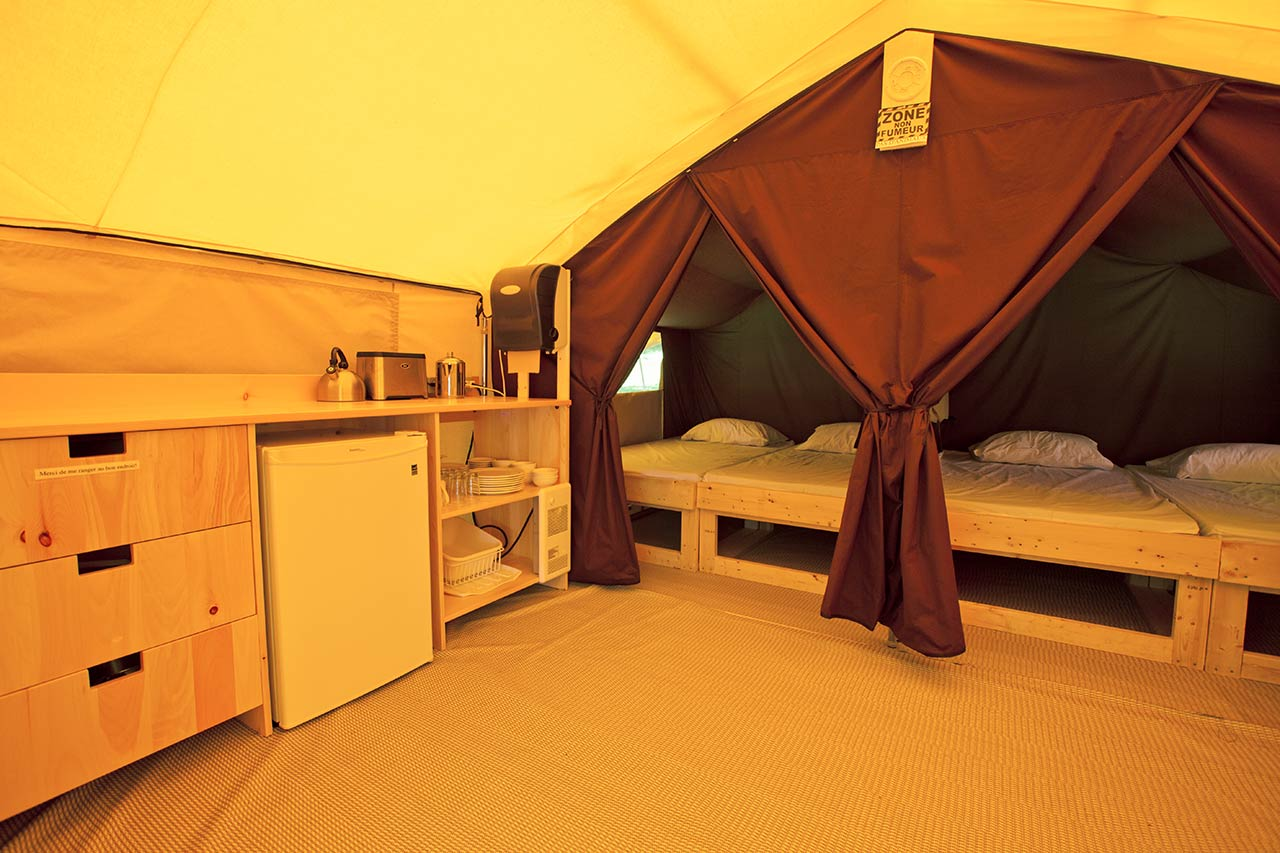Find a ready to camp tent camping sepaq for Tente de culture interieur