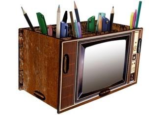 Porta Treco e Controle Remoto TV Retrô