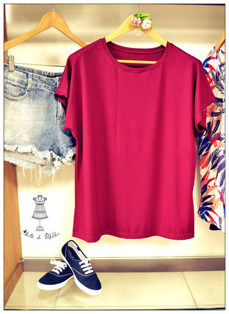 ❁ T-shirt decote redondo ❤
