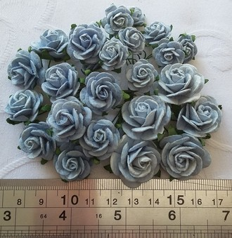 FLORES WILD ORCHID CRAFTS - KIT OPEN ROSES -BABY BLUE