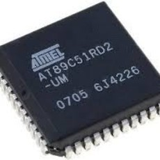 Microcontrolador AT89C51RD2-SLSUM PLCC44