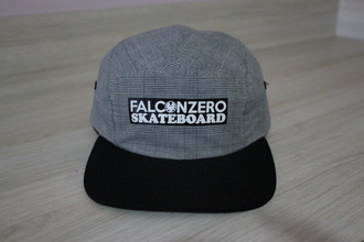 Boné Five Panel Cinza and Risc Falcon Zero Skateboard