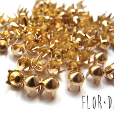 Spikes Ouro Mini 5mm - 100 Unidades