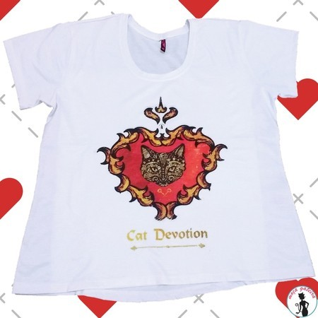 Camiseta Cat Devotion feminina
