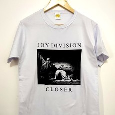 ​Camiseta JOY DIVISION - CLOSER (COR BRANCA)