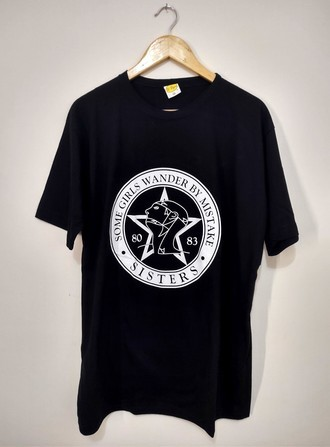 Camiseta THE SISTERS OF MERCY - SOME GIRLS WANDER BY MISTAKE (PRETO)