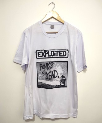 Camiseta THE EXPLOITED - PUNKS NOT DEAD (COR BRANCA)