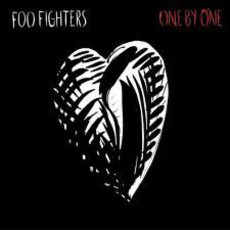 CD + DVD FOO FIGHTERS - ONE BY ONE (USADO)