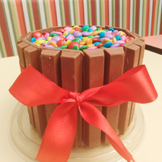 Torta Single com Kit Kat