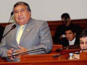 Piden levantamiento de inmunidad de congresista ayacuchano Rofilio Neyra