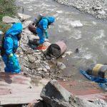 Retiran material tóxico arrojado al cauce del río Chillón