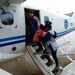 Loreto: Programa PAIS del Midis evacúa de emergencia a gestante de gemelos