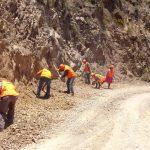 Ejecutan mantenimiento de carreteras en Ayacucho