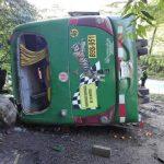 Chanchamayo: Vuelco de bus produjo tres fallecidos y quince heridos