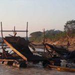 Destruyen equipos utilizados por mineros ilegales en Madre de Dios