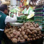Ucayali: Supervisan puestos de venta saludables certificados por municipios