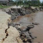 Reubican a familias afectadas por erosión fluvial en Loreto