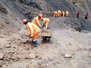 Atienden emergencias en carreteras ayacuchanas