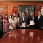 Minsa suscribe convenio de cooperación para reducir la contaminación por plomo en los niños