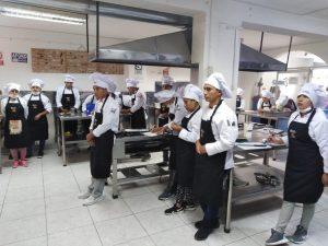 Ancash: Jóvenes de escasos recursos reciben capacitación técnica básica