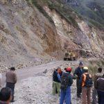 Reportan vías interrumpidas en siete regiones del país