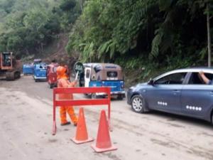 Huánuco: Dan ayuda a damnificados por deslizamiento en Castillo Grande