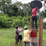 Instalan internet satelital en comunidades de Madre de Dios
