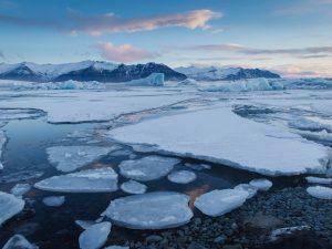 Aumenta la rapidez en la pérdida de hielo para Groenlandia y la Antártida