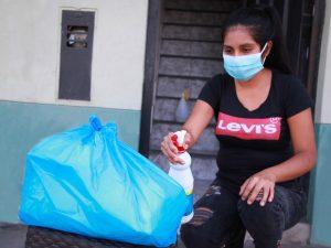 Sepa cómo desinfectar productos recibidos por delivery