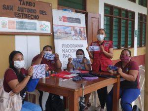 Loreto: Mujeres surcan el Putumayo para enseñar hacer mascarillas