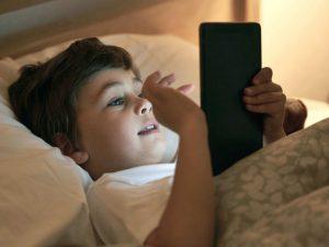 Niños no están libres a daños neurológicos por abuso de dispositivos