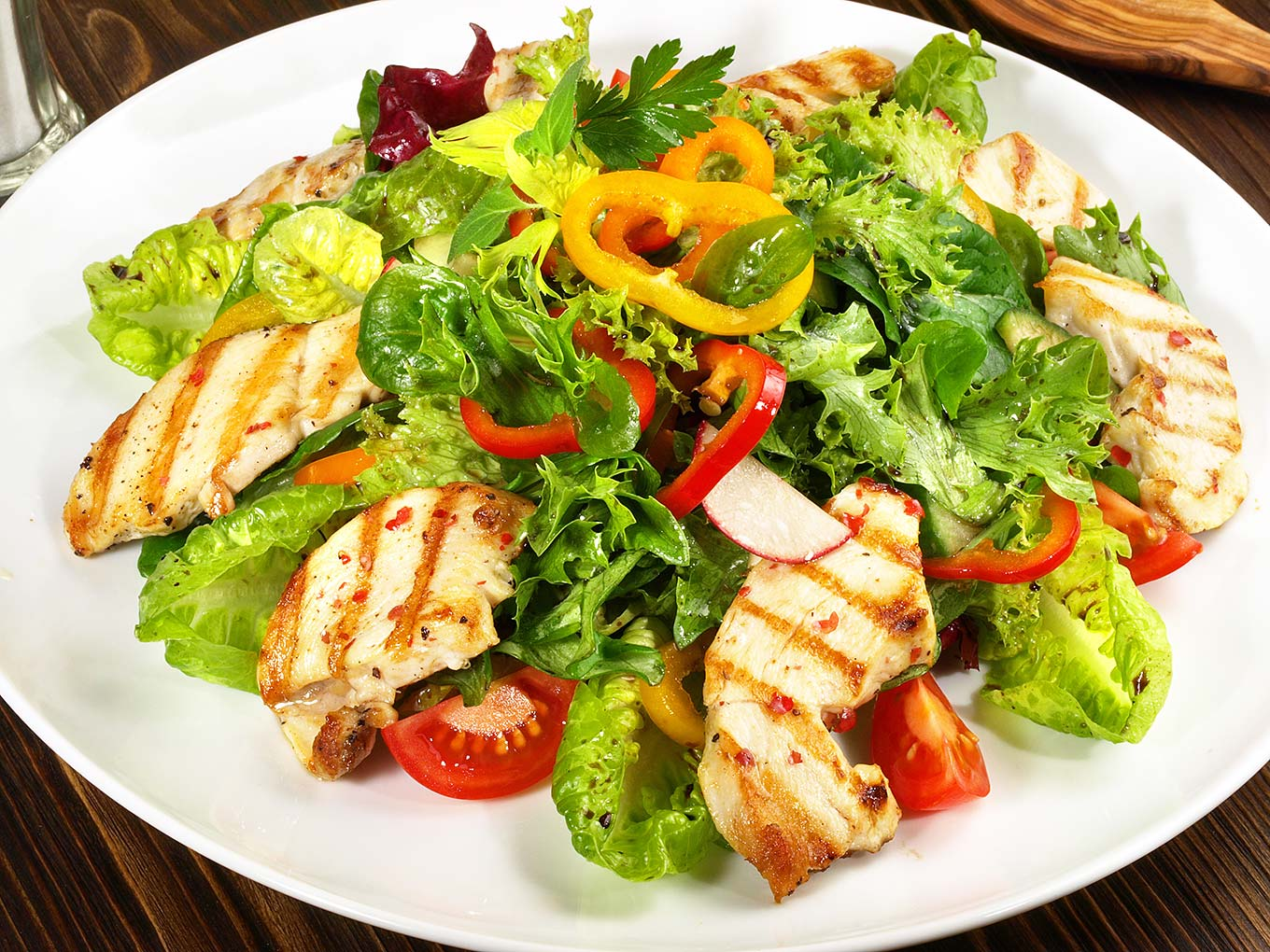 Substantial Savory Salads: How to Make a Salad a 'Meal ...
