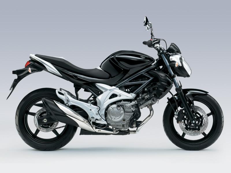 Suzuki Gladius SFV650 Black Color