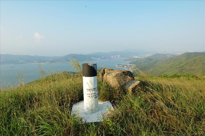 Tai Che Tung 大輋峒測量墩302m