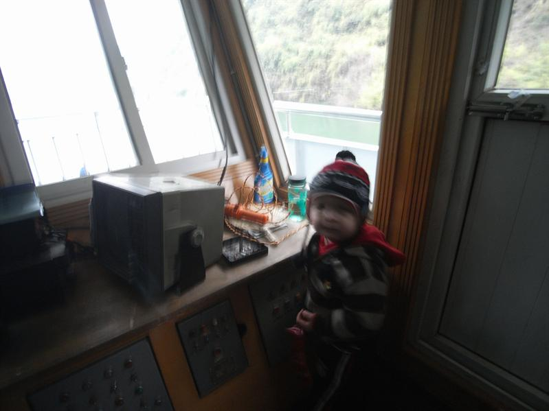 henrik taking over the boat