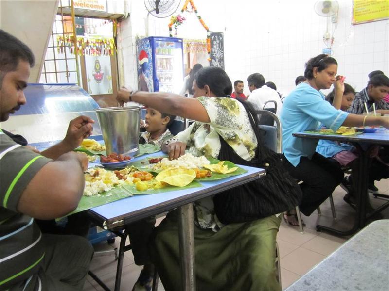 tania, ale bardzo dobra restauracja hinduska. BananaLeave-potrawy podawane na lisciu bananowca zamiast talezy