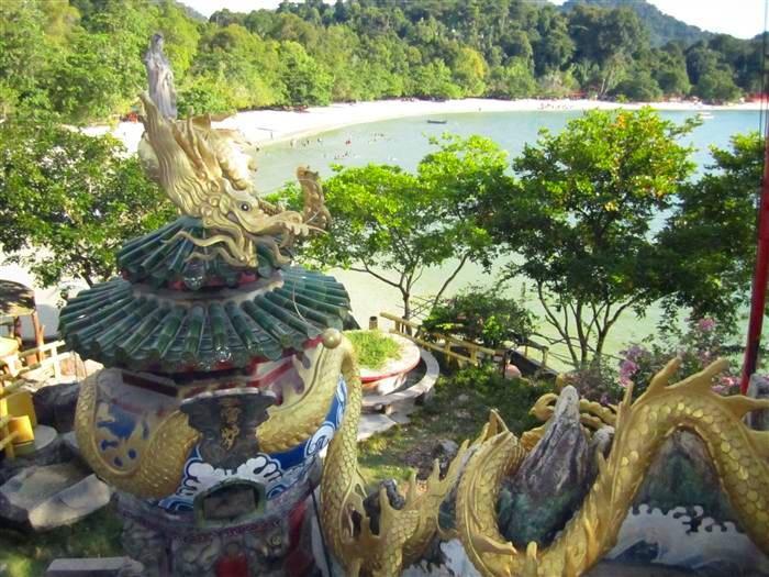 świątynia buddyjska na wzgórzu
