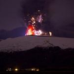 近距离拍摄冰岛火山喷发1.jpg