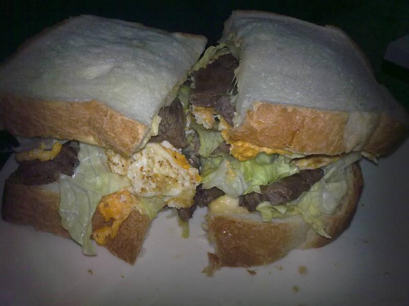 豪華牛排三明治