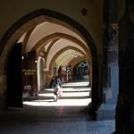 Quiet arches