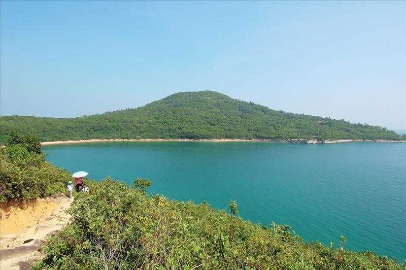 從山徑回望灣仔半島Wan Tsai Peninsula