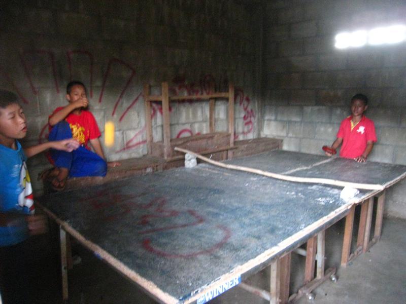 這是他們的乒乓球室