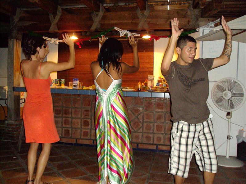 Marco hat schon immer gesagt, dass er nicht tanzen kann... ;-)