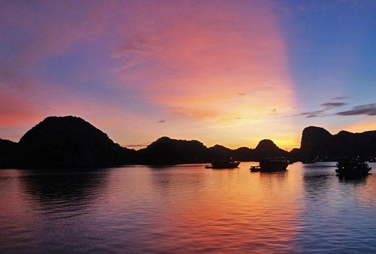 sunrise on halong bay.